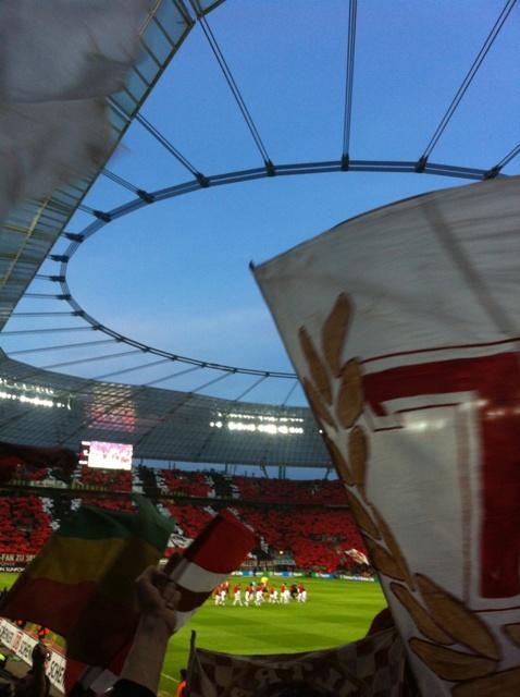 Zumindest zu erahnen: Schöne Choreo von Leverkusen.